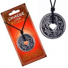 Ogrlica od špagice, patinirani kineski novčić, kornjača i mač
