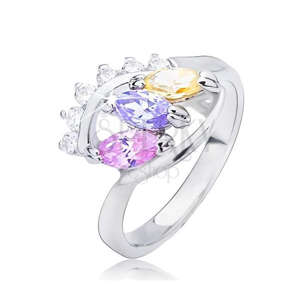 Sjajni prsten srebrne boje - elipsa sa cirkonima u boji