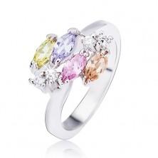 Sjajni srebrni prsten, sjajni ovalni cirkoni i prozirni kamenčići