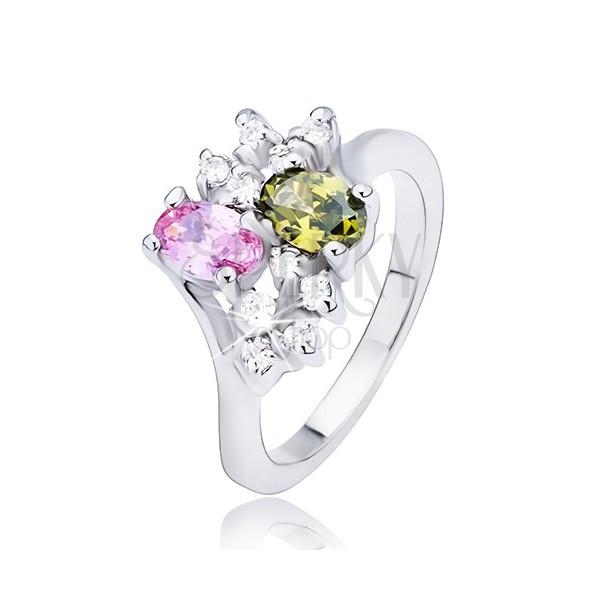 Prsten sa dva raznobojna ovalna cirkona i prozirnim kamenčićima