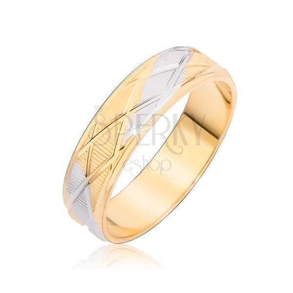 Dvobojni prsten sa romboidnim uzorkom i vertikalnim usjecima