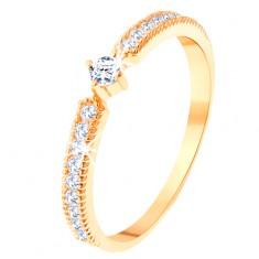 Prsten od žutog 14K zlata - okrugli prozirni cirkon, uske cirkonske linije sa strana