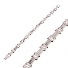 Čelična narukvica srebrne boje sa prozirnim cirkonima i grčkim ključem