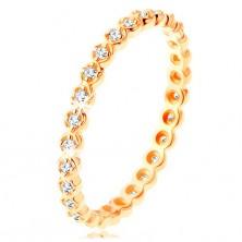 Prsten od zlata 375 - prozirni, okrugli cirkoni duž cijelog ruba, valoviti rubovi