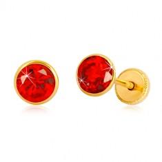 Naušnice od 585 žutog zlata - okrugli cirkon crvene boje, dugmad sa vijkom, 5 mm