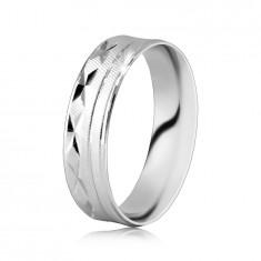 925 Srebrni prsten - površina s dijagonalnim gravurama, urezi u obliku slova X, tanke linije