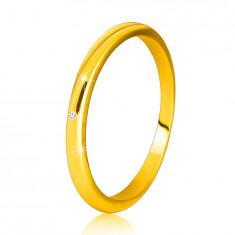 Dijamantni prsten od žutog zlata, 14K – tanki glatki krakovi, prozirni briljant
